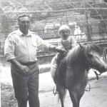 С любимым внуком. Харьков, зоопарк, 1994 год.